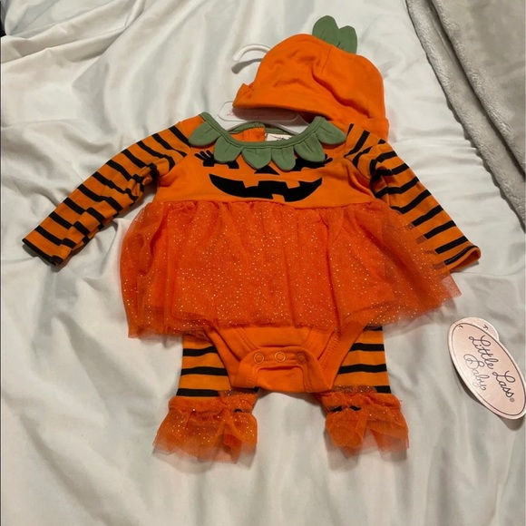SOLD ❌New 0-3Month 3PC Pumpkin Outfit